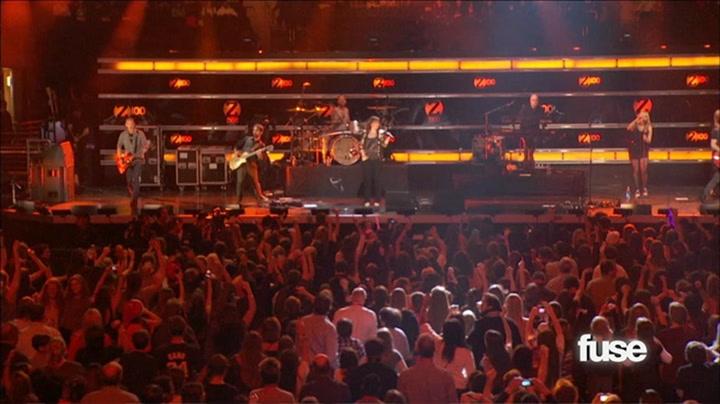 "Jingle Ball: Kelly Clarkson Performs ""Since U Been Gone"" - Fuse Presents Z100's Jingle Ball 2011"