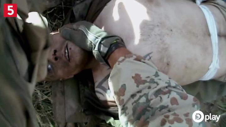 Advarsel! Stærke billeder: Dansk soldat træder på mine
