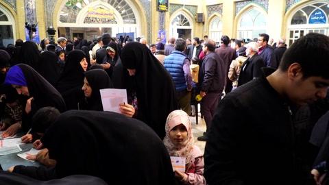 Elecciones legislativas en Irán con los conservadores como favoritos