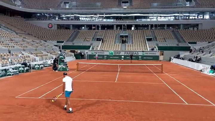 Rafa Nadal ya entrena en Roland Garros