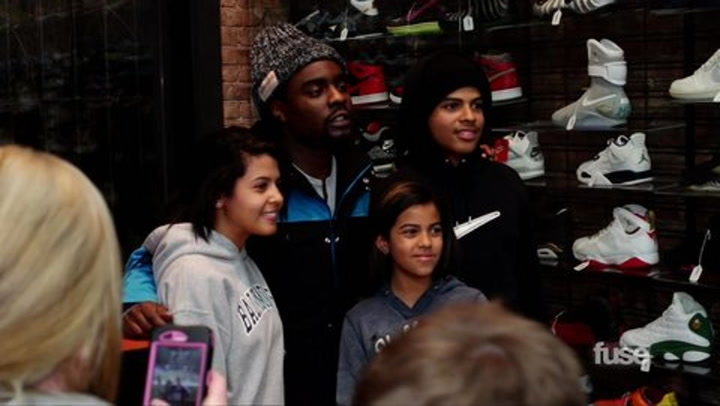 Shows: Hip Hop Shop:Chillin' With Wale - A Day in The Life