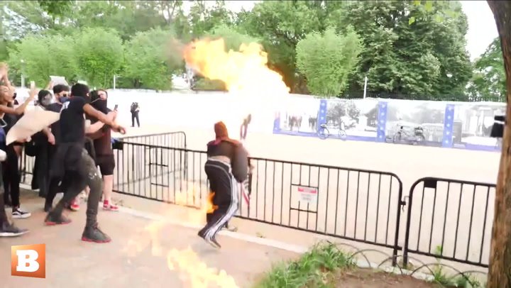 Floyd Protesters Burn American Flags Outside White House: 'F*ck The Police,' 'This Is Our First Amendment Right'