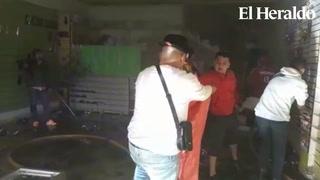 Voraz incendio se desata en tres negocios de Comayagüela