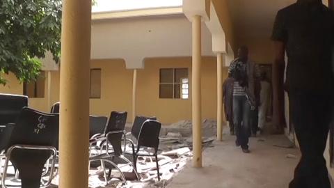 Nuevo secuestro en una escuela de Nigeria, con más de 300 chicas desaparecidas