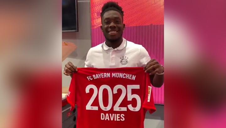 Alphonso Davies renueva con el Bayern hasta 2025