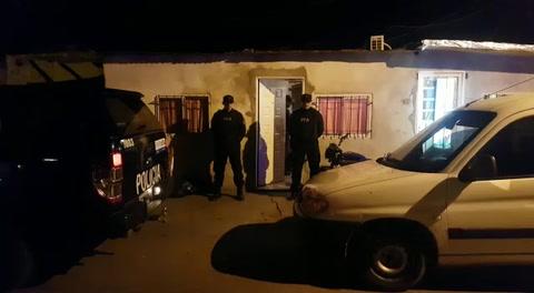 Detenidos y secuestro de estupefacientes tras un allanamiento en barrio San Francisquito