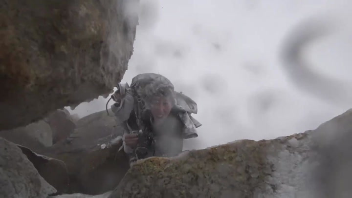 Hikers Film The Terrifying Moment An Avalanche Roars Towards Them