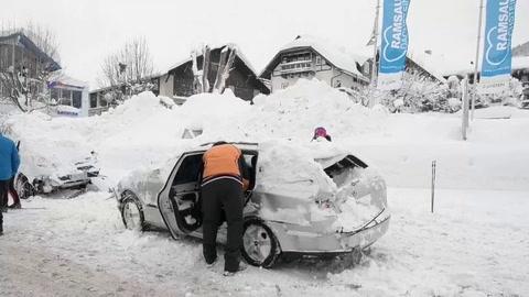 Gran parte de Austria está paralizada por intensas nevadas y aludes