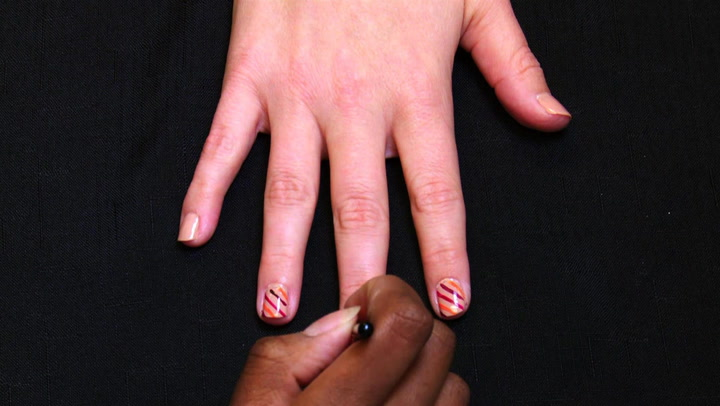 Glam Up Your Nails This Holiday Season