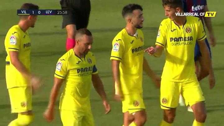 El Villarreal impone su pegada ante el Levante (2-1)
