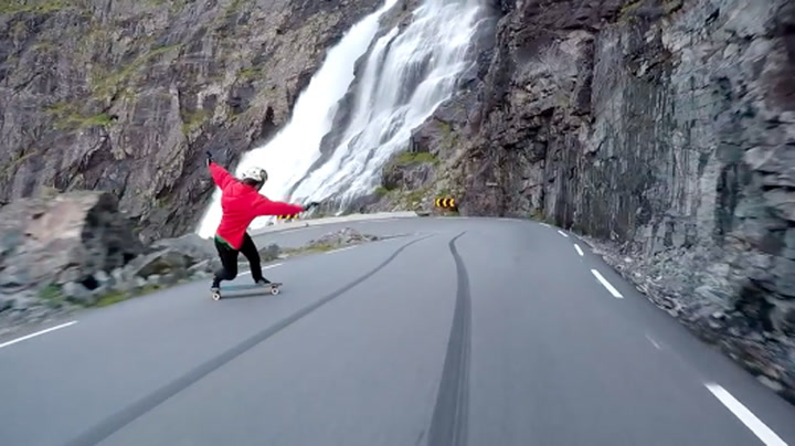 Vill ferd ned Trollstigen
