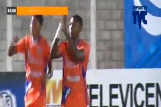 Franco Güity anota el 1 - 0 de UPN ante Real Sociedad