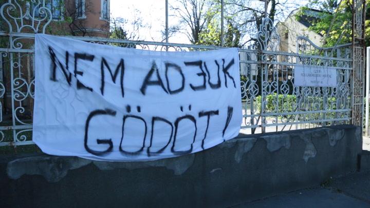 Tiltakoznak a gödiek a kormány határozata ellen