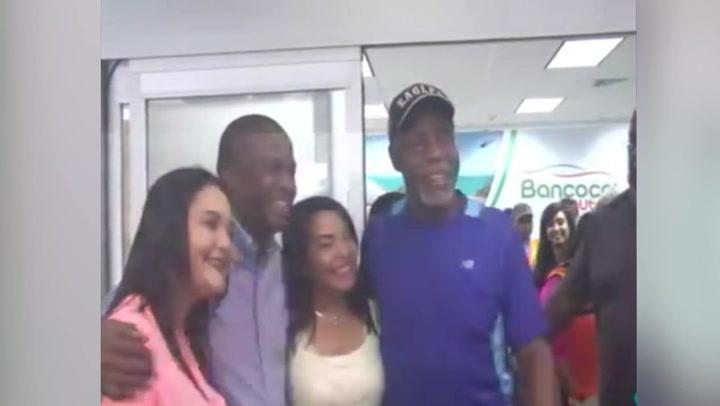 Actor de Hollywood Danny Glover llega a La Ceiba 3dca046df45
