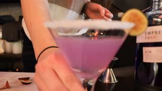 Cocktail Demo: The Violet Drink