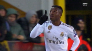 Vinícius anota el 2 - 1 de Real Madrid ante Brujas