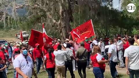 Simpatizantes del partido Libre y Liberal se reúnen en El Paraíso