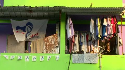 Evangélicos cercan a iglesia del papa en barrio pobre de Panamá
