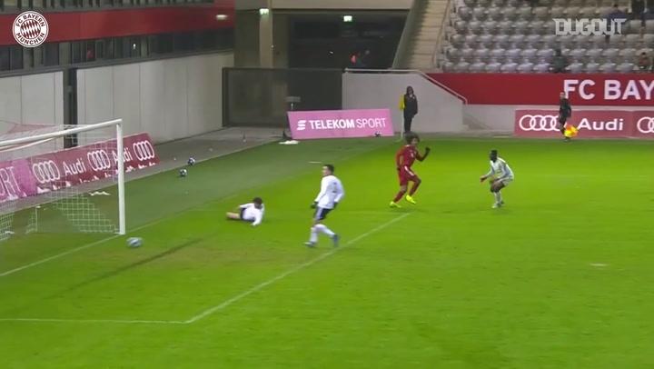 Evolução de Joshua Zirkzee ao time principal do Bayern