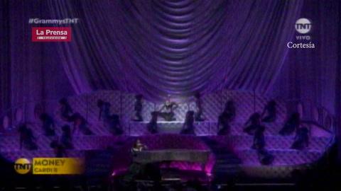 Cardi B durante su interpretación en los Grammy 2019