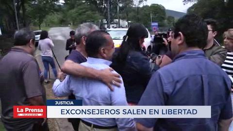 EXCONSEJEROS SALEN EN LIBERTAD