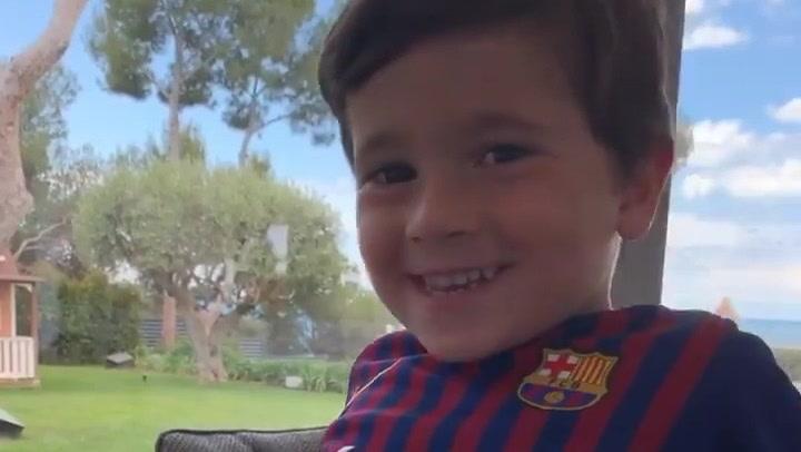 Mateo Messi entona el último tema de Ed Sheeran vistiendo la equipación azulgrana