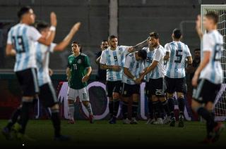 Argentina derrota a una pobre México en amistoso en Córdoba