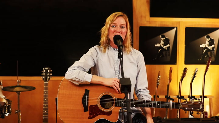 Linda Draper performs Nashville on The Jimmy Lloyd Songwriter Showcase