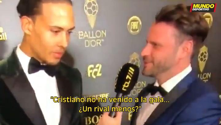Van Dijk se burla de la ausencia de Cristiano Ronaldo en el Balón de Oro