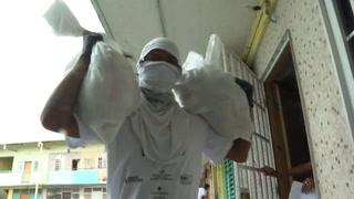 Panamá distribuye comida en barrios pobres por crisis del COVID-19
