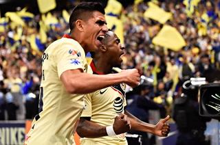 América se está imponiendo ante Pumas en el estadio Azteca