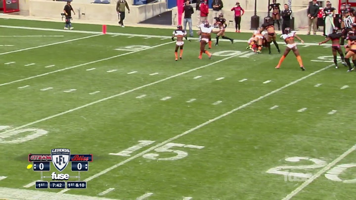 Game 5 Highlight: Atlanta's Offense Steps Up vs. Chicago