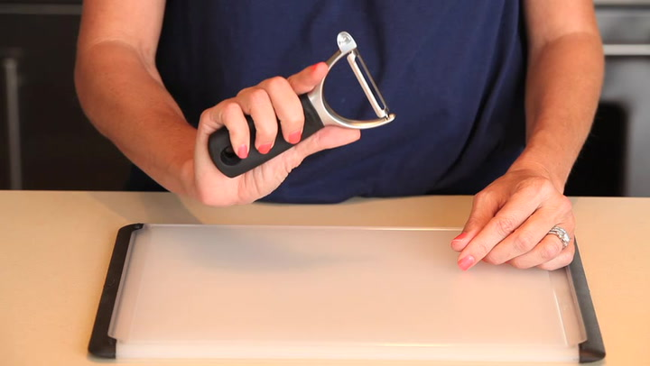 Preview image of OXO Pro Y Peeler video