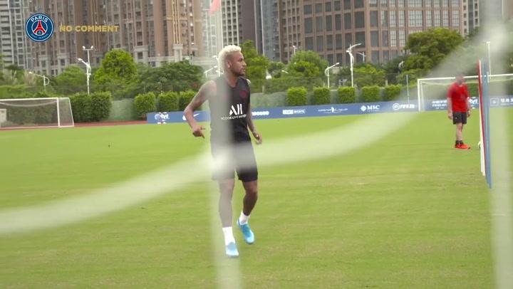 Neymar, durante un entrenamiento de pretemporada con el PSG