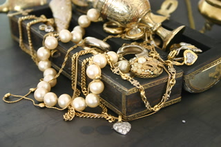 Small businesses make up majority of jewelry industry