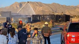 Northwest Las Vegas fire destroys house under construction – Video