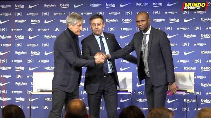 Bartomeu estrecha la mano a Setién y posa con la camiseta del Barça por primera vez