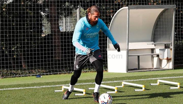 Sergio Ramos entrena en Valdebebas