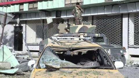 Talibanes reivindican ataques en Kabul y mantienen ofensiva por ciudades