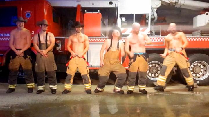 Norske brannmenn i baris skulle imponere damene på julebord