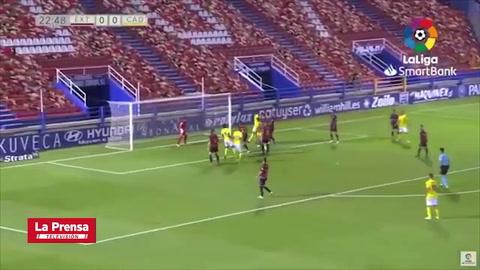'Choco' Lozano llega a 10 goles con el Cádiz en la temporada