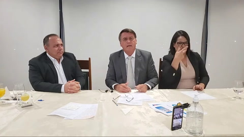 Bolsonaro a Macron: