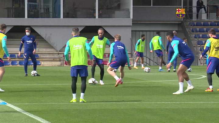 El Barça se ejercita para preparar la final contra el Athletic Club