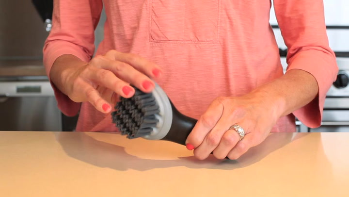 Preview image of OXO Electric Grill Panini Brush video