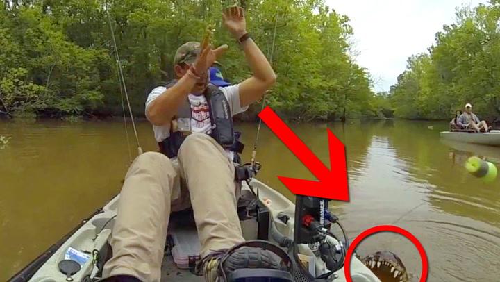Fangsten skremmer vannet av fiskeren