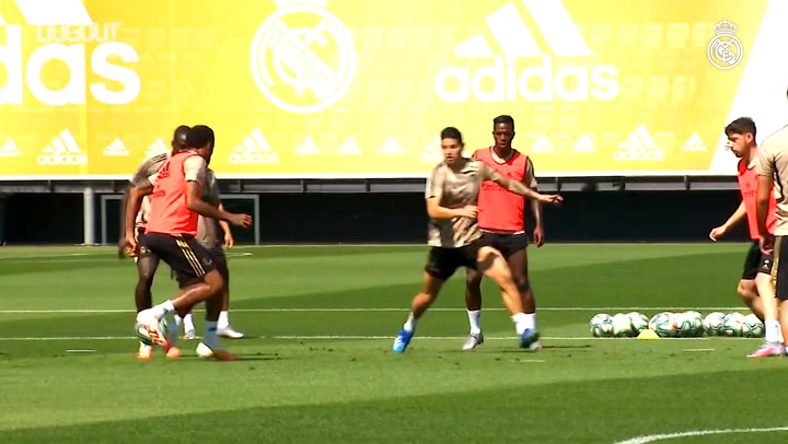 Real Madrid's first session in preparation for Valencia