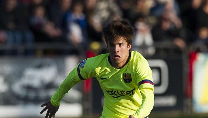 Riqui Puig asiste a Bojan para que marque en el Catalunya-Venezuela
