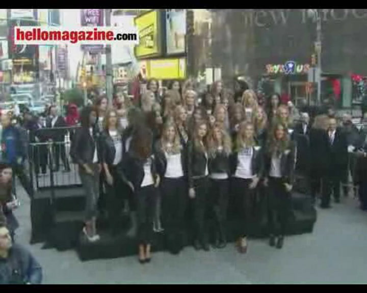 Victoria\'s Secret angels stop traffic in Times Square