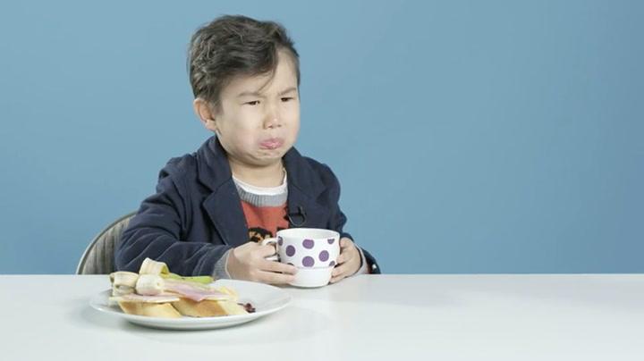 – Hæ, drikker barn kaffe i Brasil?!