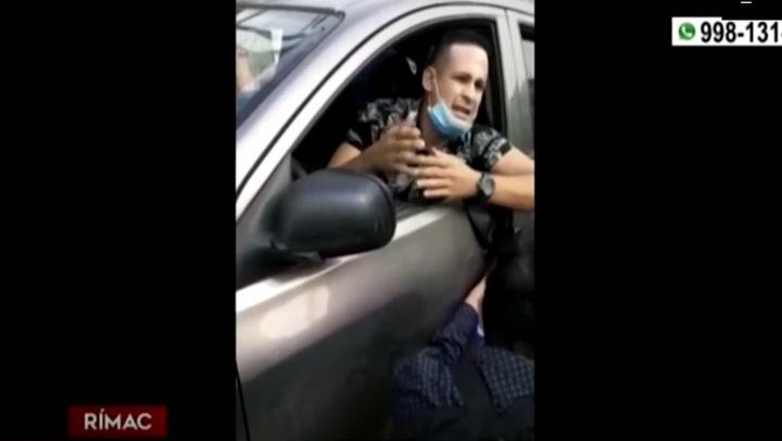 Conductor de taxi colectivo arrastró y atropelló a controladora de ATU
